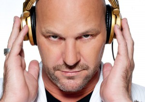 http://scottpullen.com/wp-content/uploads/2013/02/Scott-Pullen-headphones-web-300x211.jpg